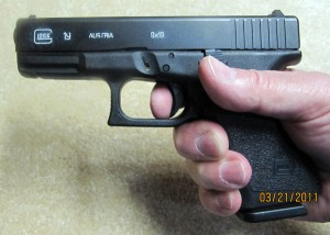 Glock 19 in the Hand