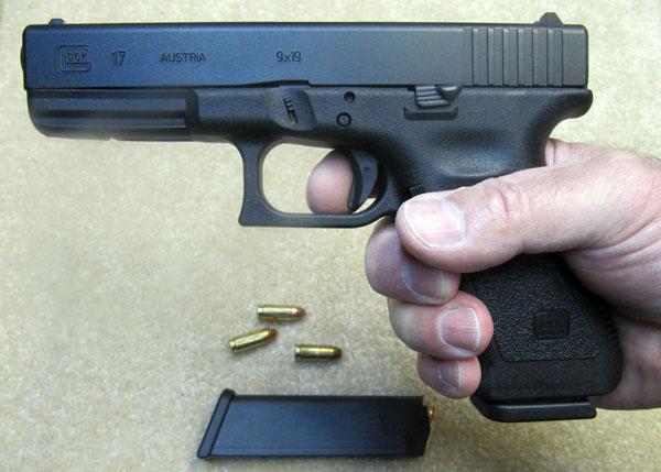 Full Size Glock 17 9mm Pistol