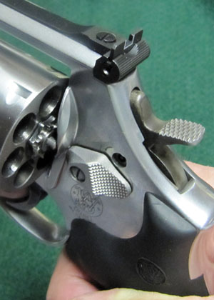 Smith Wesson Cylinder Release and Hammer